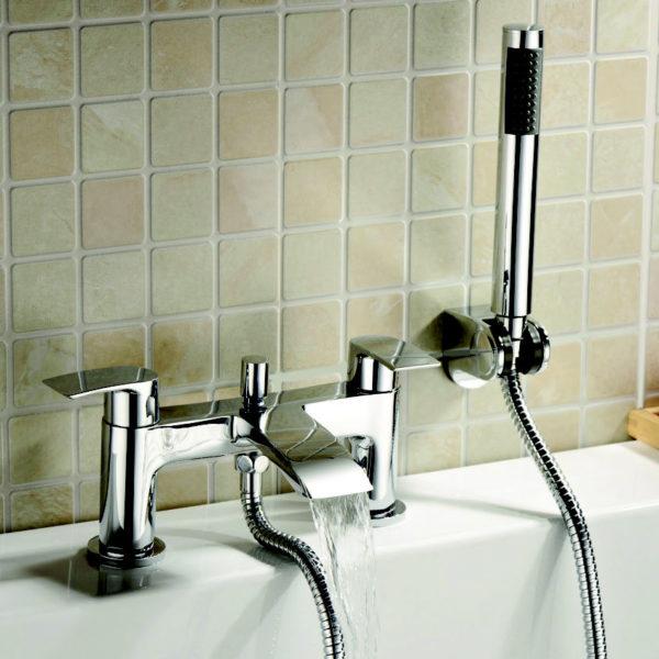 Brisbane bath filler with shower